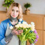 цветы в вазе с асперином